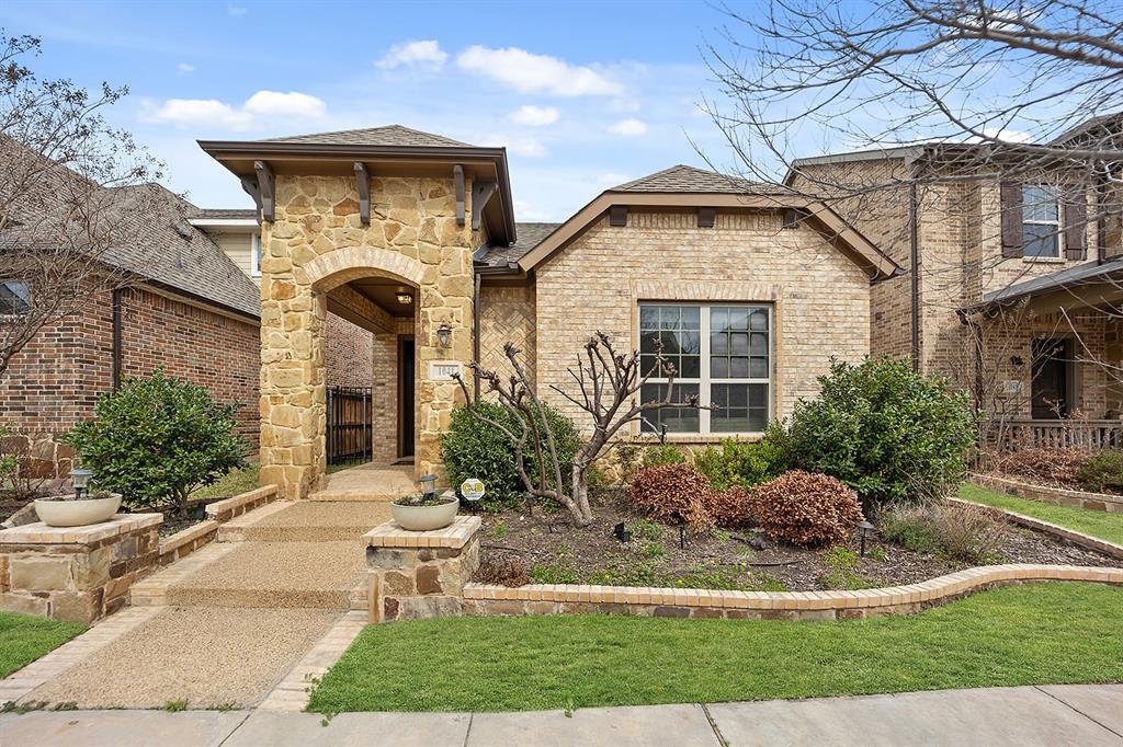 1041 Lone Ivory  Trail, Arlington, Texas 76005 - Acquisto Real Estate best frisco realtor Amy Gasperini 1031 exchange expert