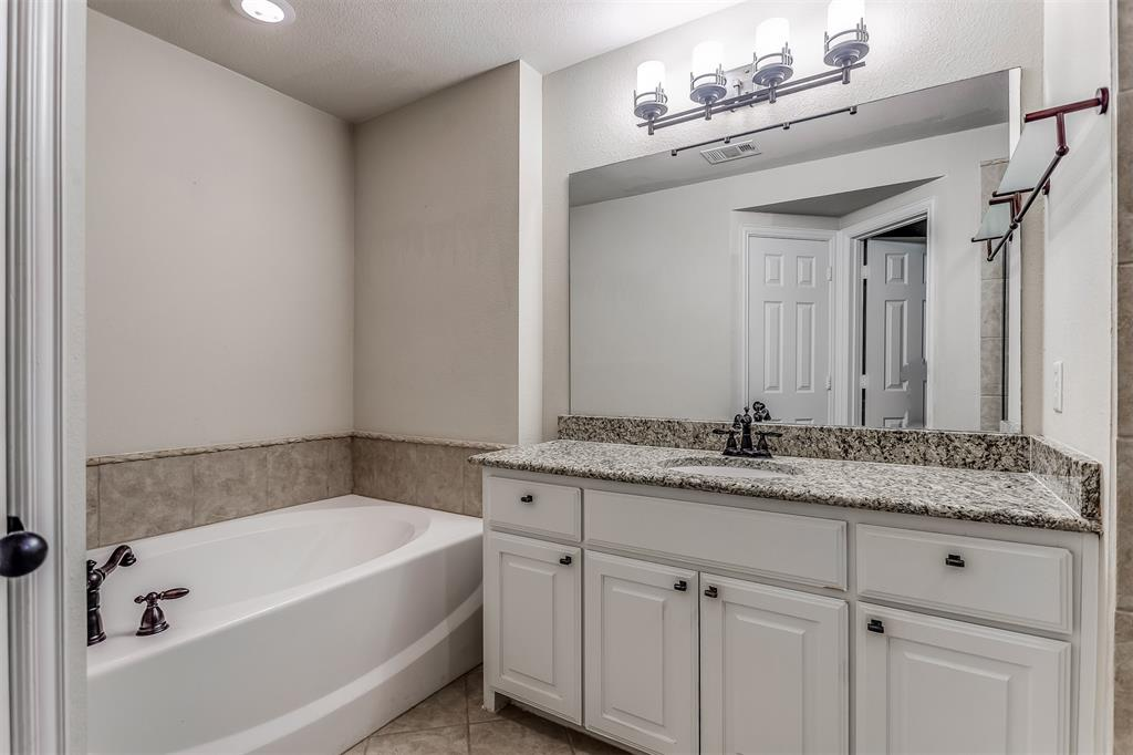 2700 Club Ridge  Drive, Lewisville, Texas 75067 - acquisto real estate best real estate company to work for