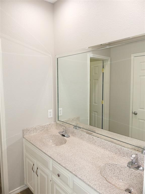 800 Custer  Street, Arlington, Texas 76014 - acquisto real estate best listing agent in the nation shana acquisto estate realtor