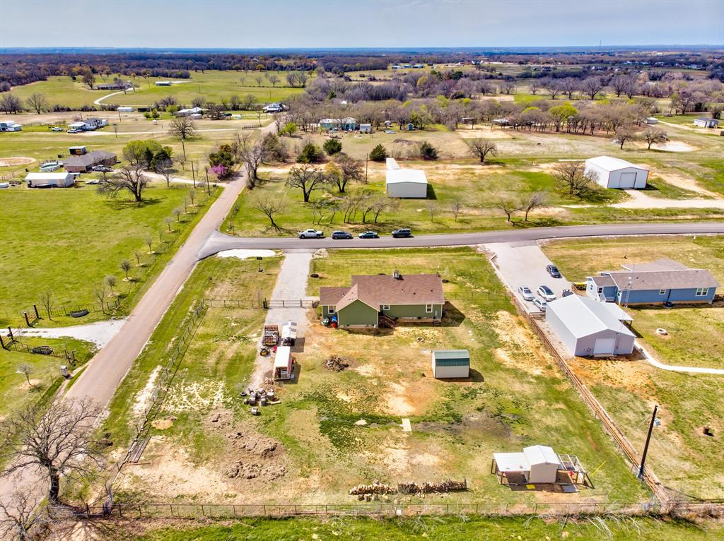 100 Mccrae  Lane, Boyd, Texas 76023 - acquisto real estaet best boutique real estate firm in texas for high net worth sellers