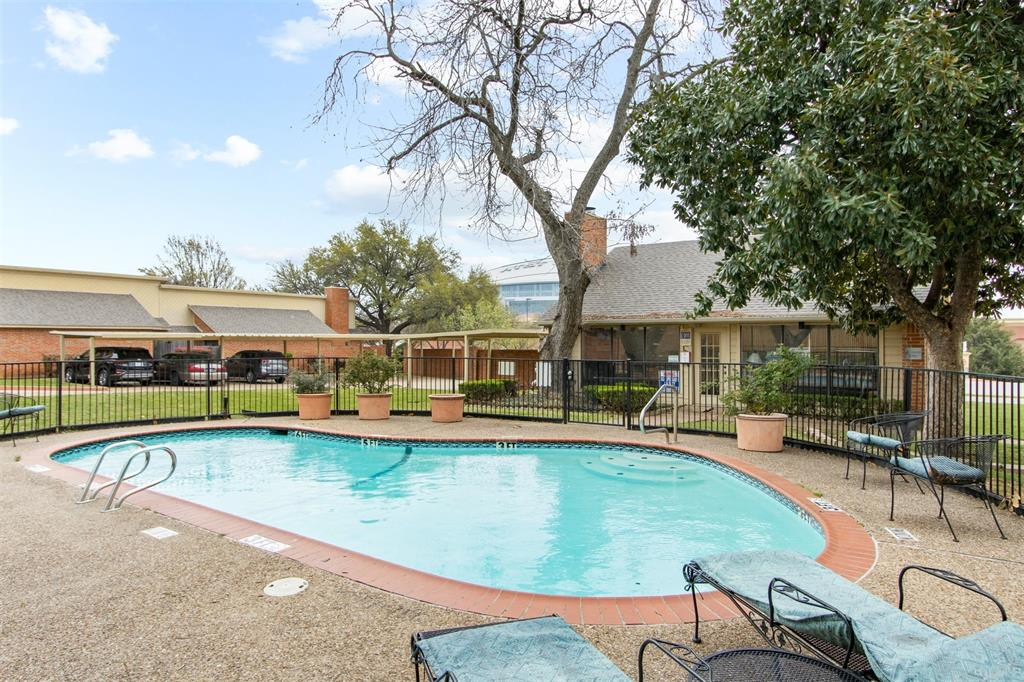 925 Cedarland  Boulevard, Arlington, Texas 76011 - acquisto real estate best realtor foreclosure real estate mike shepeherd walnut grove realtor