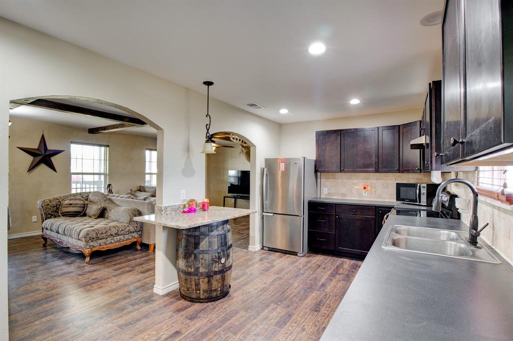 100 Mccrae  Lane, Boyd, Texas 76023 - acquisto real estate best celina realtor logan lawrence best dressed realtor