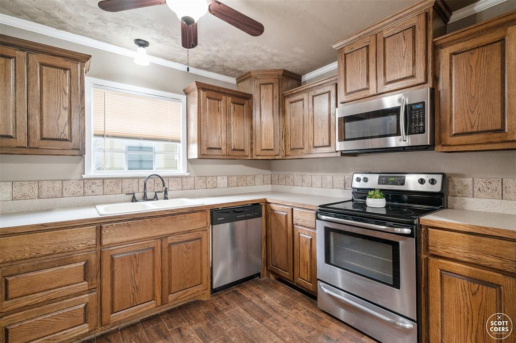 2313 1st  Street, Brownwood, Texas 76801 - acquisto real estate best listing listing agent in texas shana acquisto rich person realtor