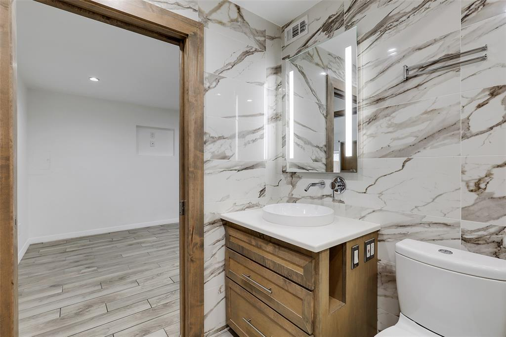 4130 Newton  Avenue, Dallas, Texas 75219 - acquisto real estate best investor home specialist mike shepherd relocation expert