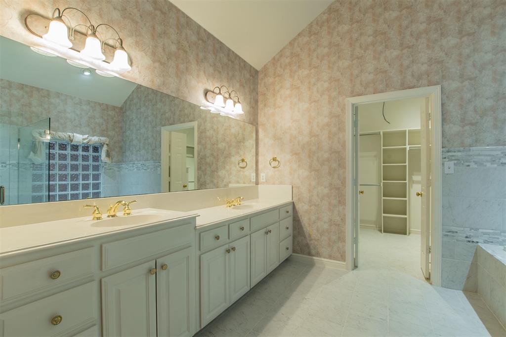 1112 Ellison Park  Circle, Denton, Texas 76205 - acquisto real estate best photos for luxury listings amy gasperini quick sale real estate