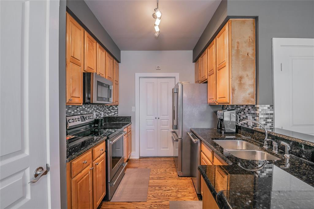 3333 Darcy  Street, Fort Worth, Texas 76107 - acquisto real estate best real estate company to work for