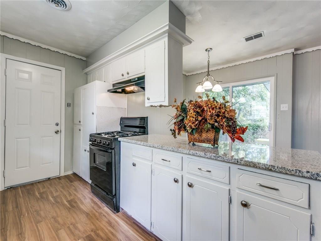 3044 Cliff Creek  Drive, Dallas, Texas 75233 - acquisto real estate best listing agent in the nation shana acquisto estate realtor