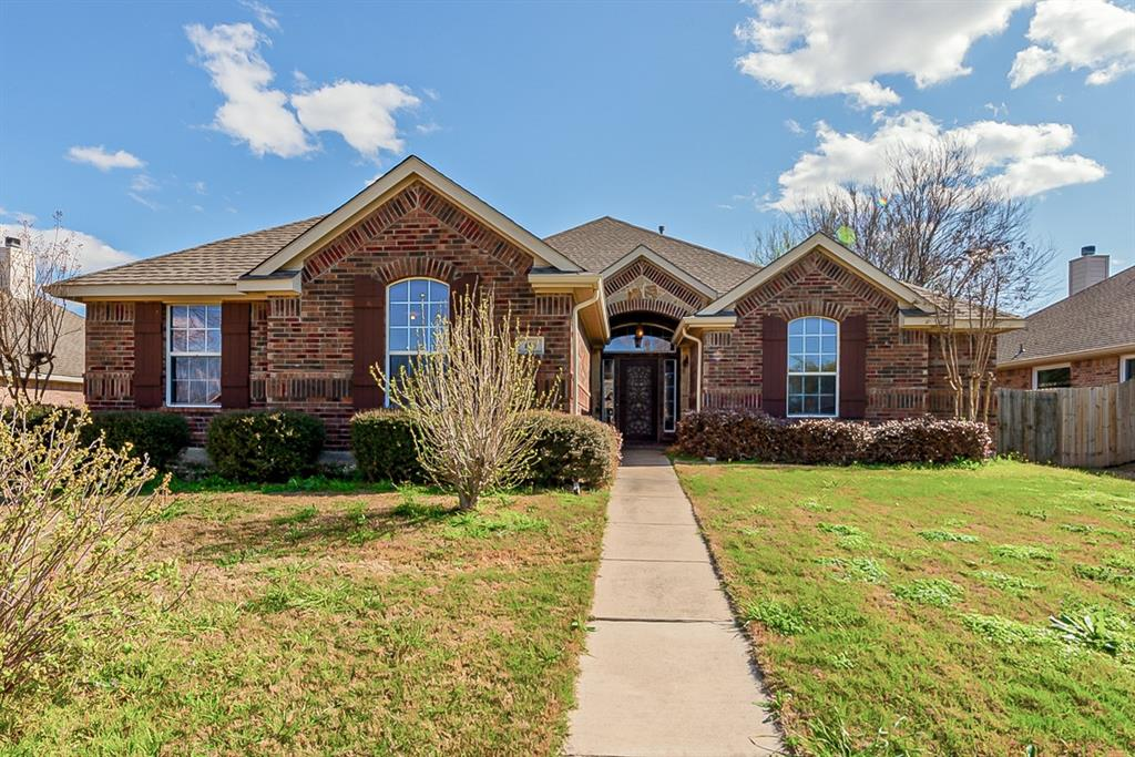 116 Indian Paint  Drive, Justin, Texas 76247 - Acquisto Real Estate best plano realtor mike Shepherd home owners association expert