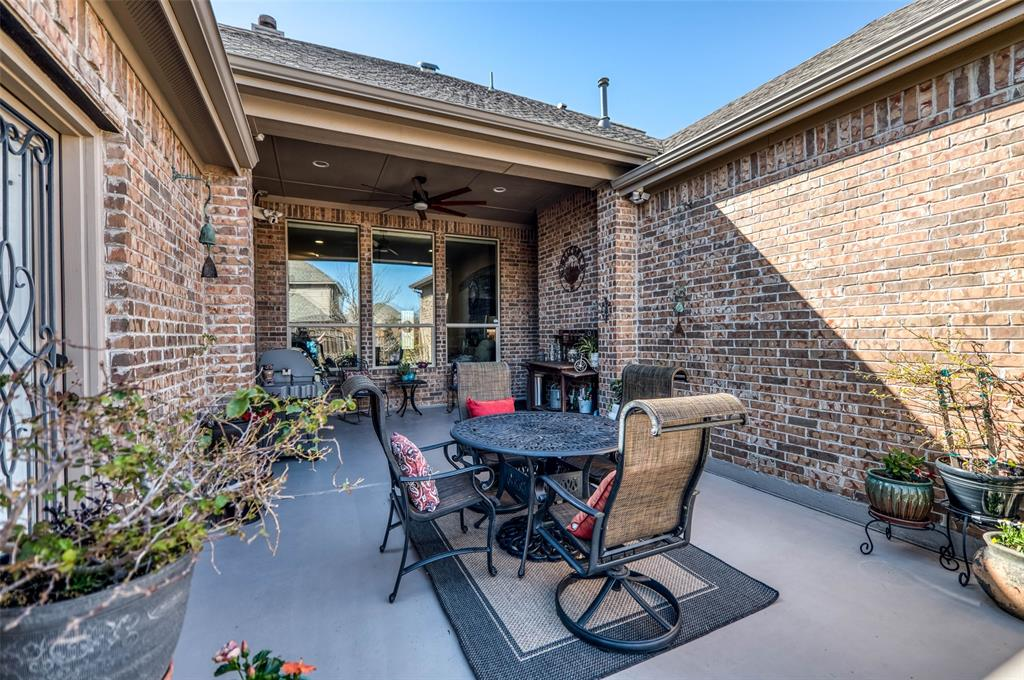 7506 Spruce  Lane, Sachse, Texas 75048 - acquisto real estate best plano real estate agent mike shepherd