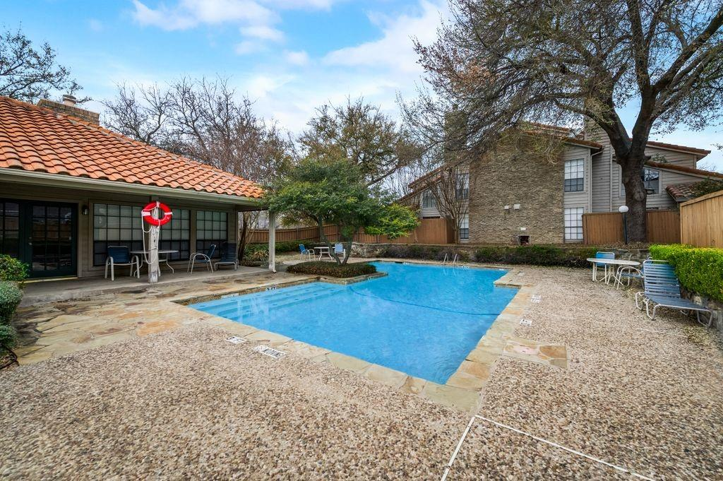 863 Dublin  Drive, Richardson, Texas 75080 - acquisto real estate best photos for luxury listings amy gasperini quick sale real estate