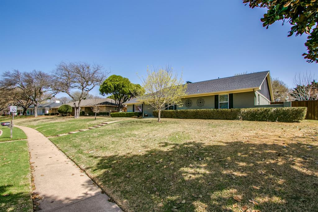 2412 Custer  Parkway, Richardson, Texas 75080 -