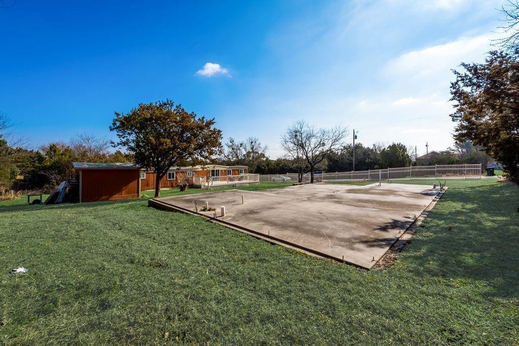 2206 Beverly  Drive, Granbury, Texas 76048 - Acquisto Real Estate best frisco realtor Amy Gasperini 1031 exchange expert