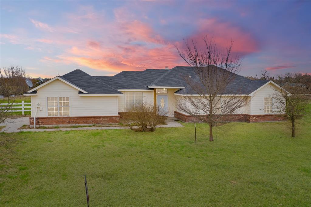 3131 Cherokee  Drive, Farmersville, Texas 75442 - Acquisto Real Estate best frisco realtor Amy Gasperini 1031 exchange expert