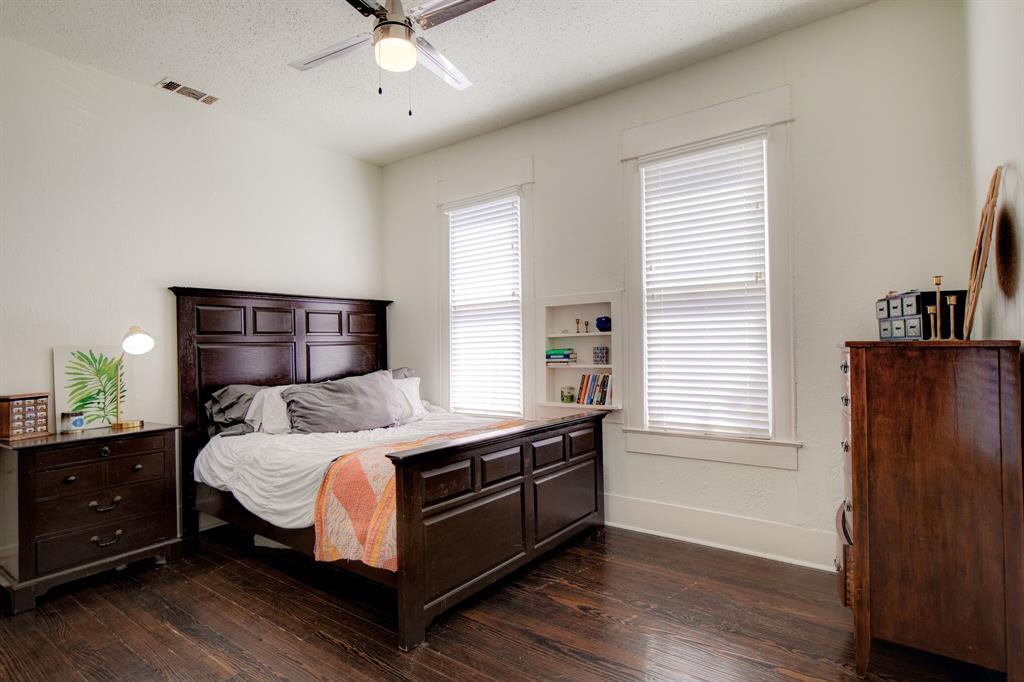 2507 Lipscomb  Street, Fort Worth, Texas 76110 - acquisto real estate best realtor westlake susan cancemi kind realtor of the year