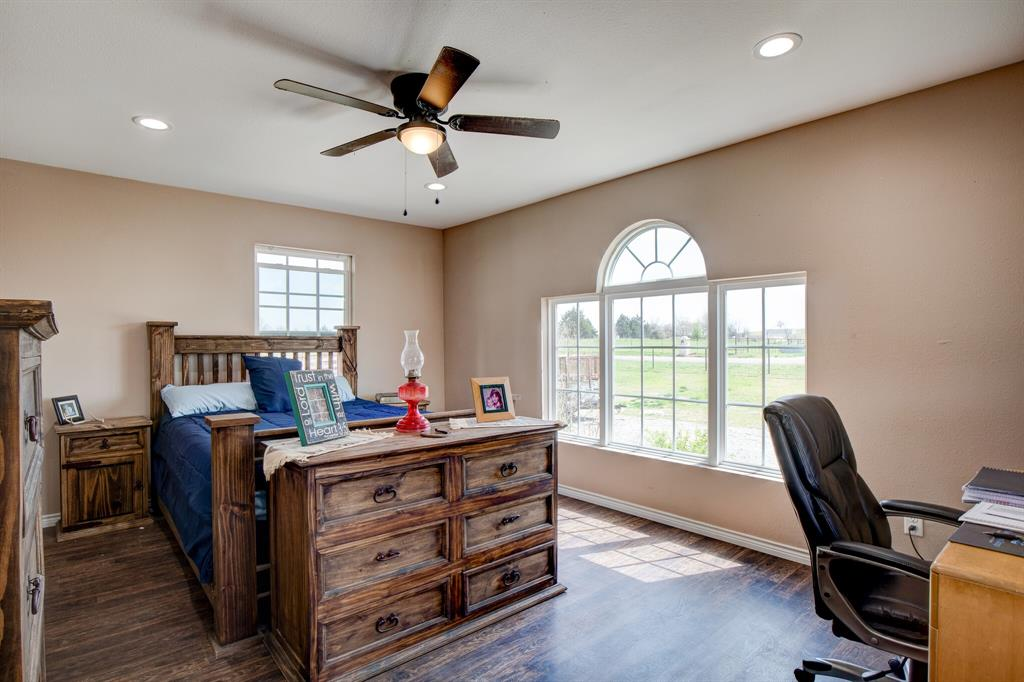 100 Mccrae  Lane, Boyd, Texas 76023 - acquisto real estate best new home sales realtor linda miller executor real estate