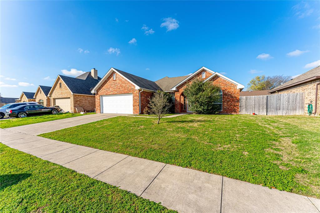 405 Centenial  Avenue, Ennis, Texas 75119 - Acquisto Real Estate best plano realtor mike Shepherd home owners association expert
