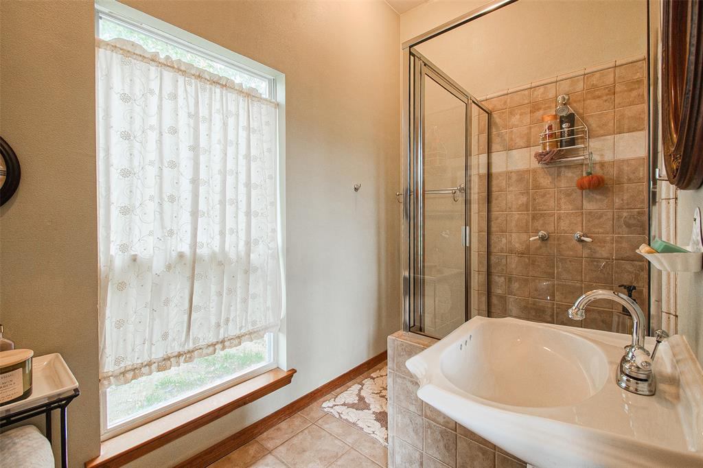 363 Preakness  Place, Van Alstyne, Texas 75495 - acquisto real estate best frisco real estate agent amy gasperini panther creek realtor