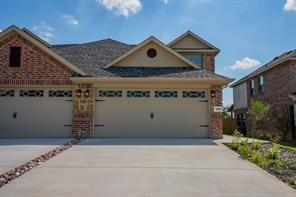 5016 Villas  Drive, Sanger, Texas 76266 - Acquisto Real Estate best frisco realtor Amy Gasperini 1031 exchange expert