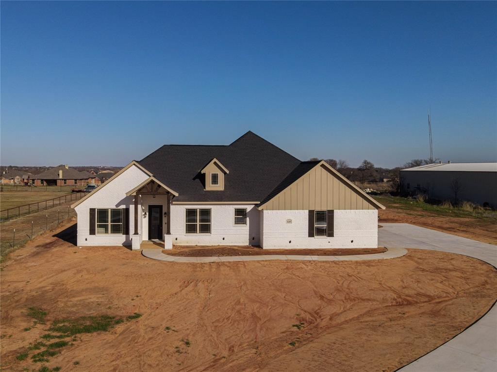 125 Remington Park  Drive, Springtown, Texas 76082 - Acquisto Real Estate best frisco realtor Amy Gasperini 1031 exchange expert