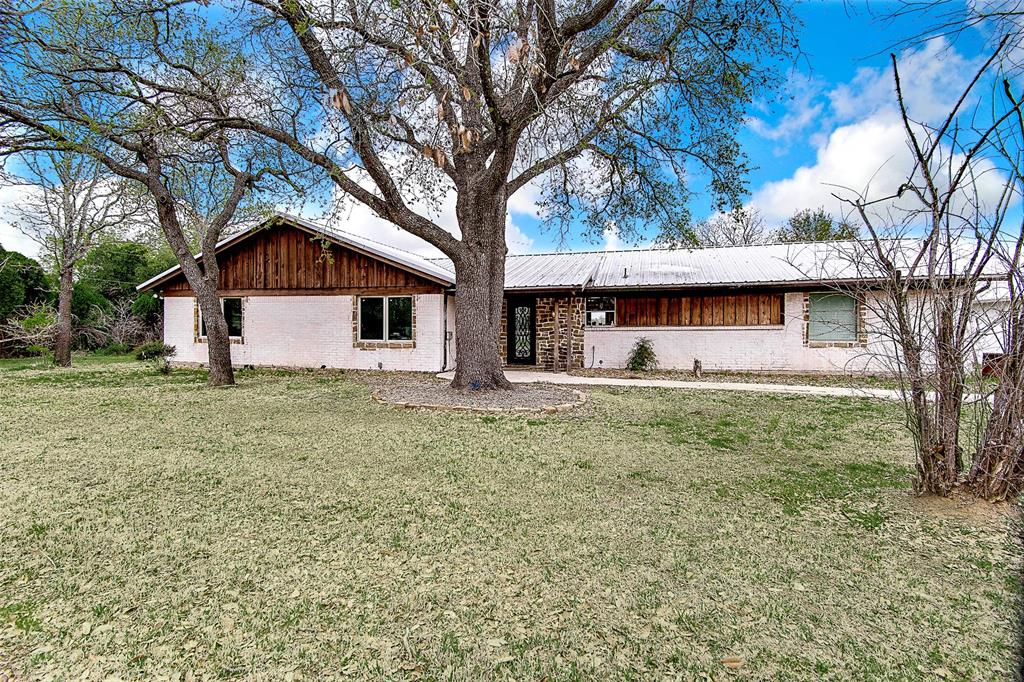 4985 Oak Grove Rendon  Road, Burleson, Texas 76028 - Acquisto Real Estate best plano realtor mike Shepherd home owners association expert