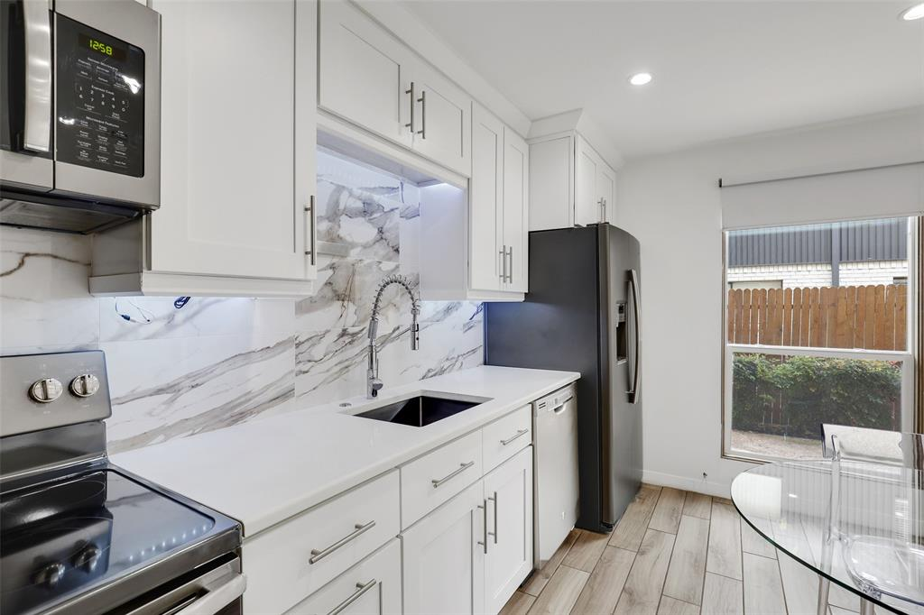 4130 Newton  Avenue, Dallas, Texas 75219 - acquisto real estate best realtor dallas texas linda miller agent for cultural buyers