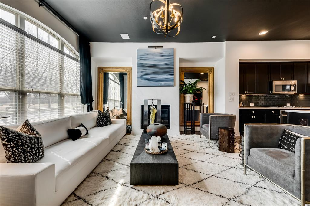 561 Royal  Lane, Irving, Texas 75039 - Acquisto Real Estate best frisco realtor Amy Gasperini 1031 exchange expert