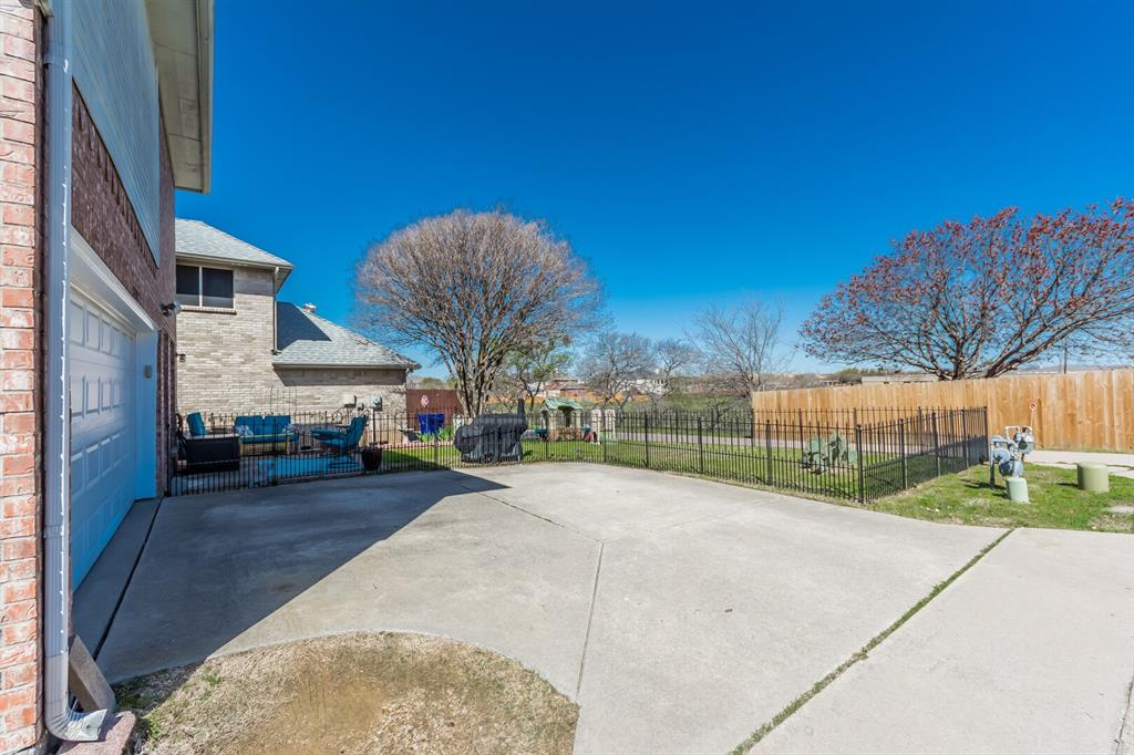 1352 Marken  Court, Carrollton, Texas 75007 - acquisto real estate best frisco real estate agent amy gasperini panther creek realtor
