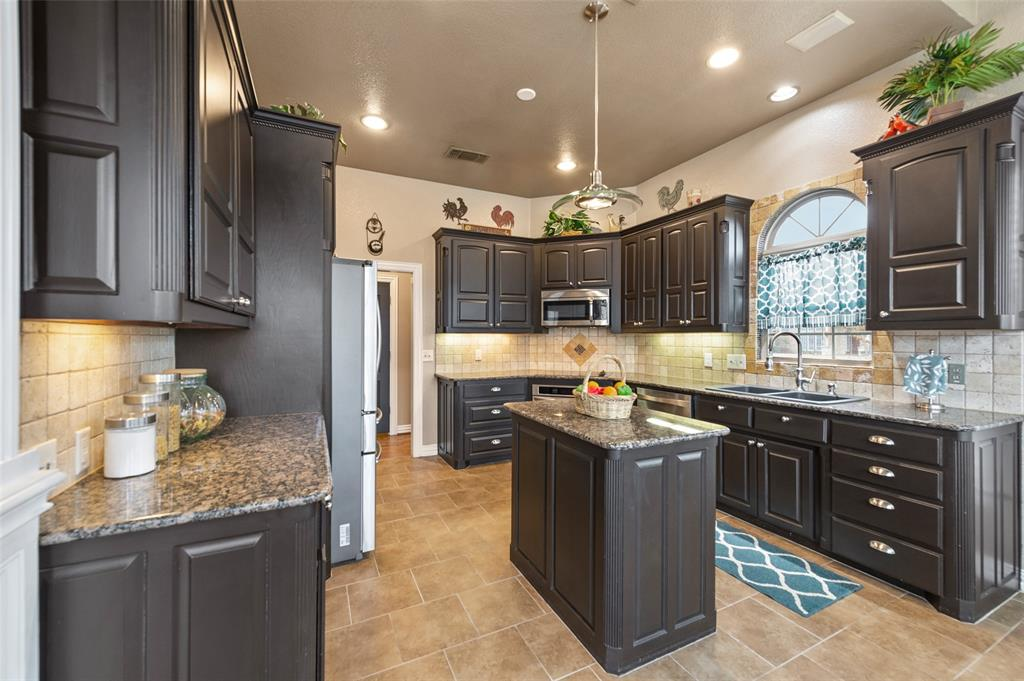 3724 COVE TIMBER  Avenue, Granbury, Texas 76049 - acquisto real estate best photos for luxury listings amy gasperini quick sale real estate