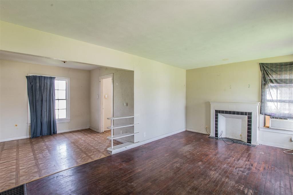 213 15th  Street, Grand Prairie, Texas 75050 - Acquisto Real Estate best frisco realtor Amy Gasperini 1031 exchange expert