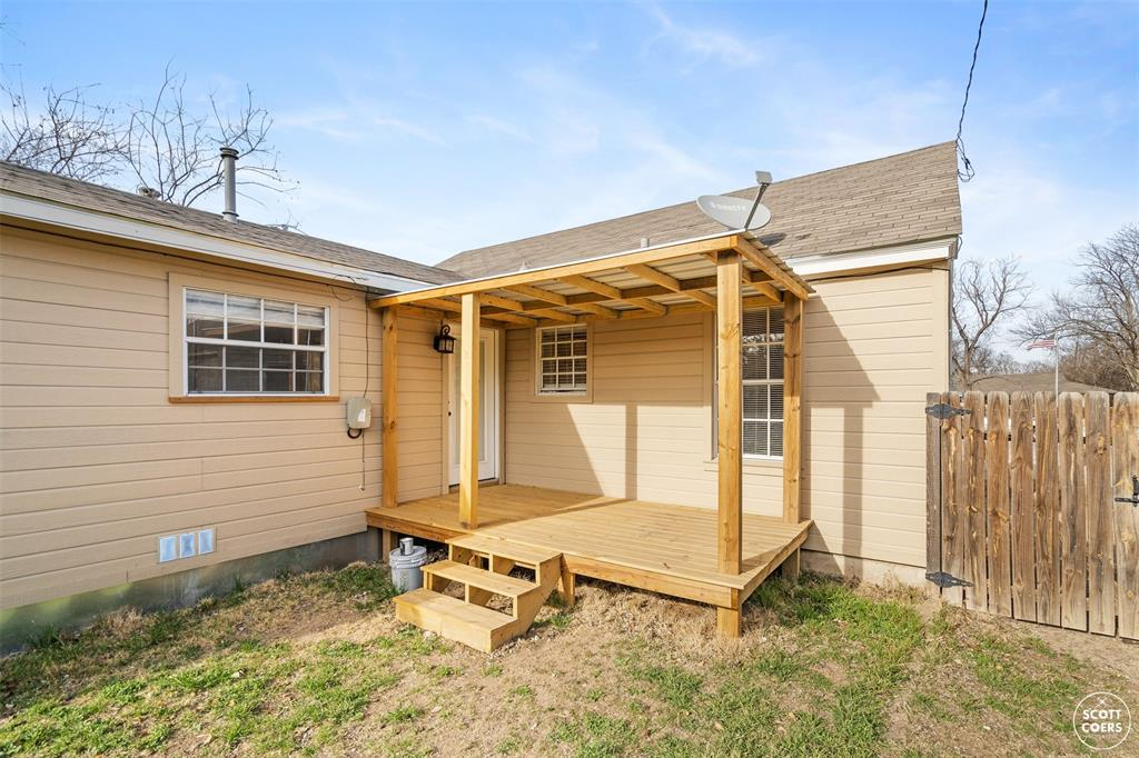 2313 1st  Street, Brownwood, Texas 76801 - acquisto real estate best frisco real estate agent amy gasperini panther creek realtor