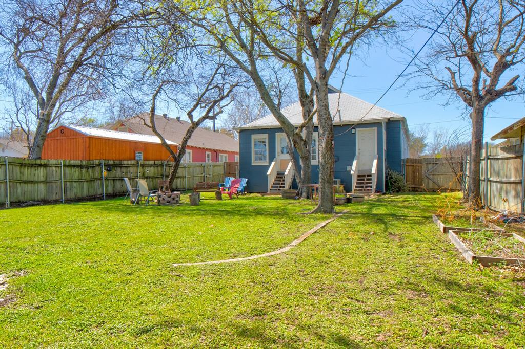 2507 Lipscomb  Street, Fort Worth, Texas 76110 - acquisto real estate best looking realtor in america shana acquisto