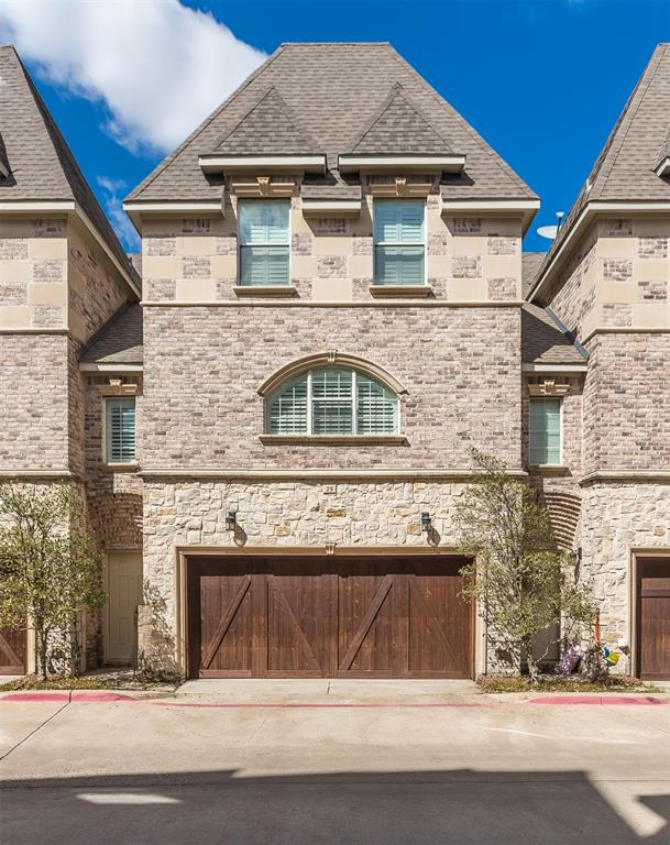 2700 Club Ridge  Drive, Lewisville, Texas 75067 - Acquisto Real Estate best plano realtor mike Shepherd home owners association expert