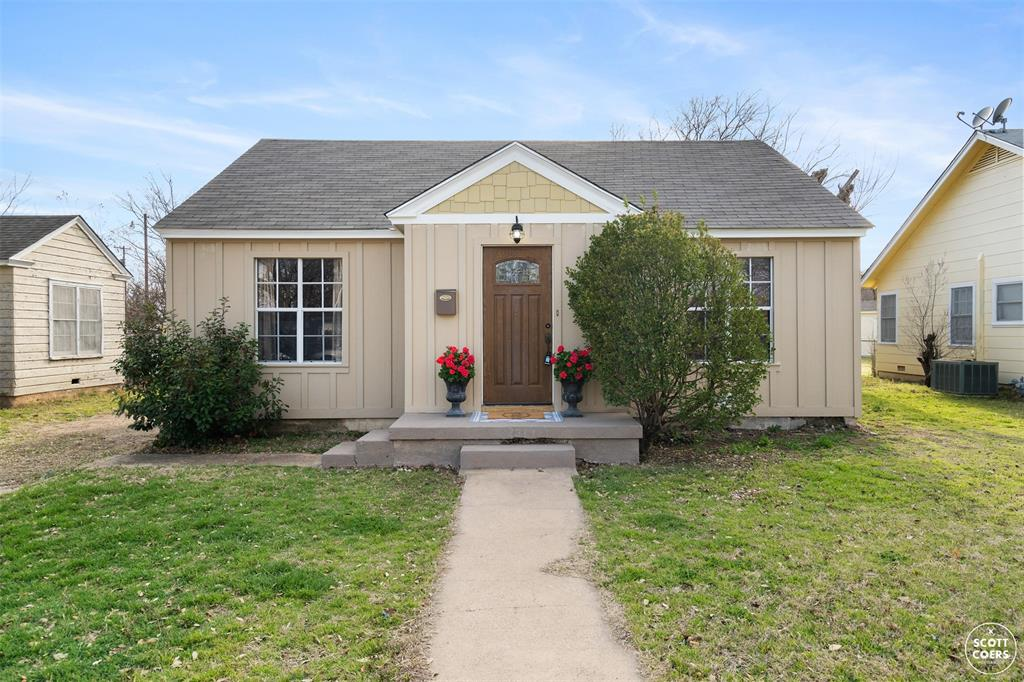 2313 1st  Street, Brownwood, Texas 76801 - Acquisto Real Estate best plano realtor mike Shepherd home owners association expert
