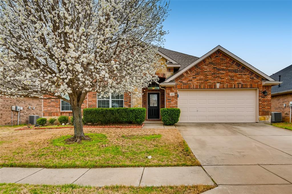 4004 Elmgreen  Drive, Fort Worth, Texas 76262 - Acquisto Real Estate best plano realtor mike Shepherd home owners association expert