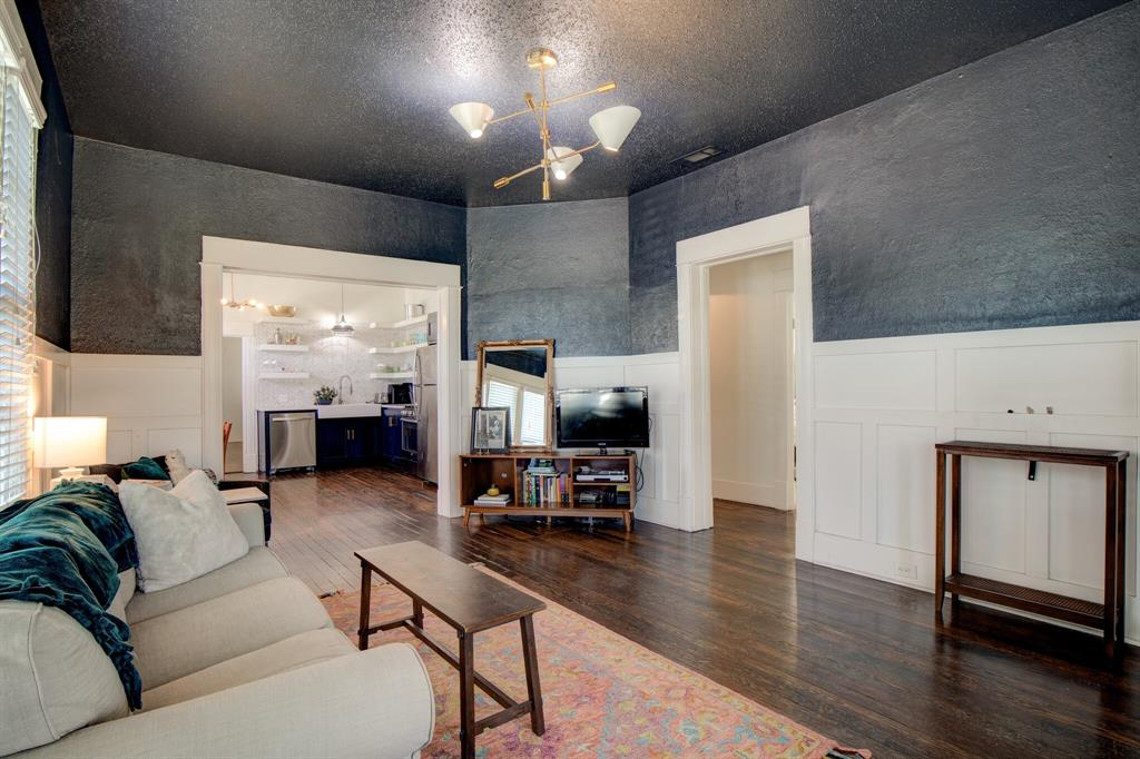 2507 Lipscomb  Street, Fort Worth, Texas 76110 - acquisto real estate best real estate company in frisco texas real estate showings