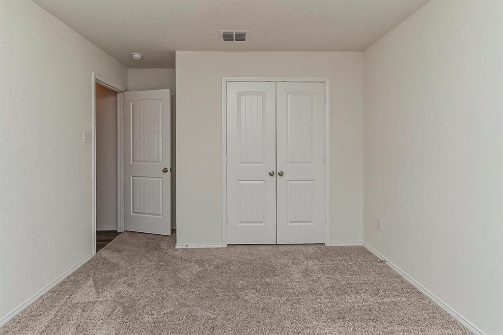 452 Saguaro  Drive, Fort Worth, Texas 76052 - acquisto real estate best realtor dfw jody daley liberty high school realtor