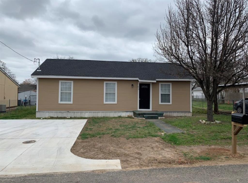 670 Oak  Street, Stephenville, Texas 76401 - Acquisto Real Estate best frisco realtor Amy Gasperini 1031 exchange expert