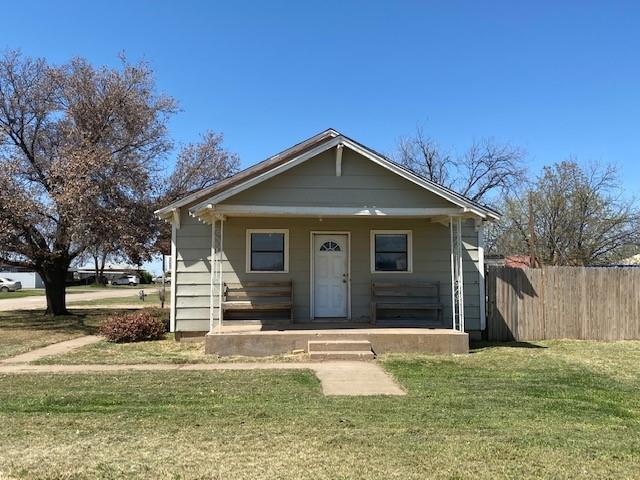 841 5th  Avenue, Munday, Texas 76371 - Acquisto Real Estate best frisco realtor Amy Gasperini 1031 exchange expert