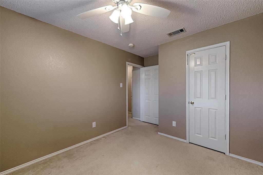 1512 Doris  Drive, Mesquite, Texas 75149 - acquisto real estate best realtor foreclosure real estate mike shepeherd walnut grove realtor
