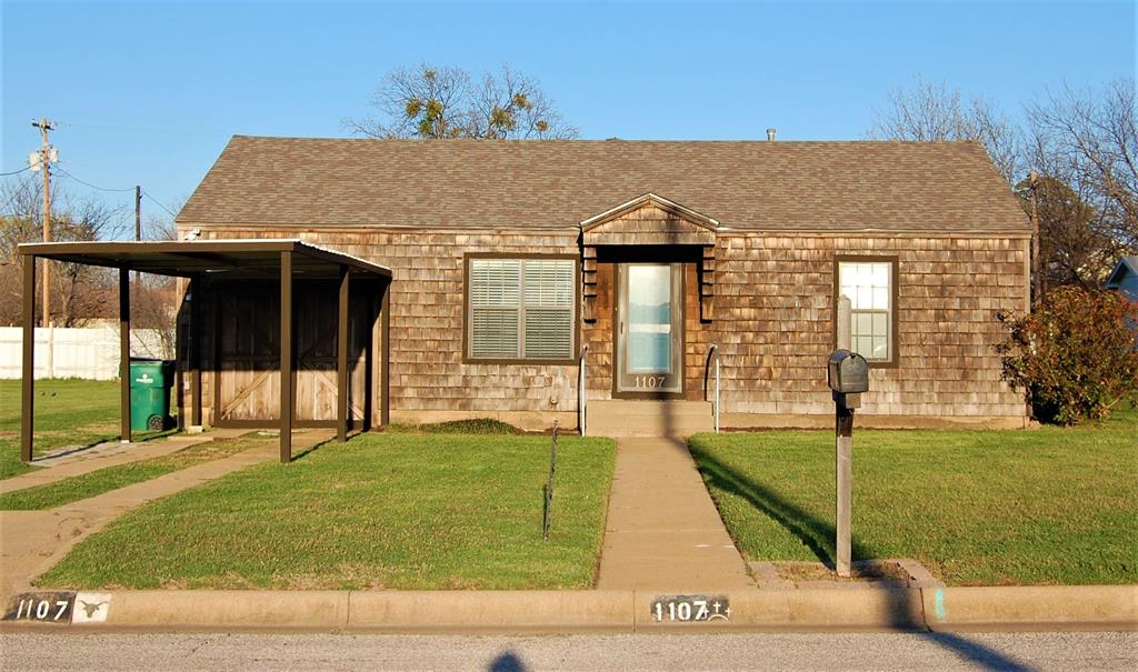 1107 Carolina  Street, Graham, Texas 76450 - Acquisto Real Estate best frisco realtor Amy Gasperini 1031 exchange expert