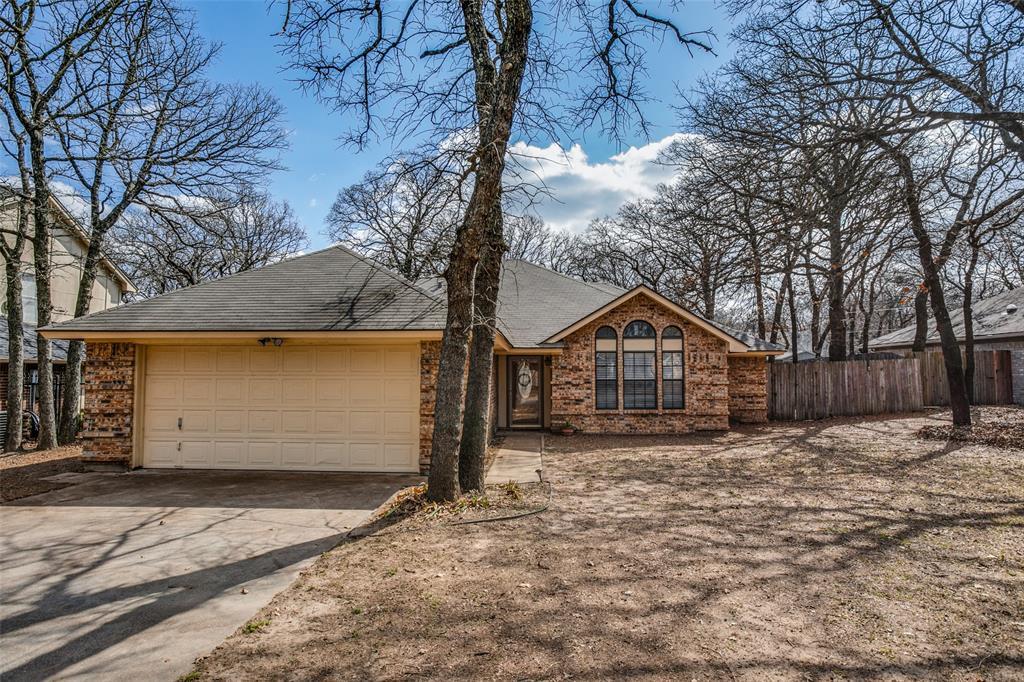 416 Misty Oaks  Street, Azle, Texas 76020 - Acquisto Real Estate best frisco realtor Amy Gasperini 1031 exchange expert