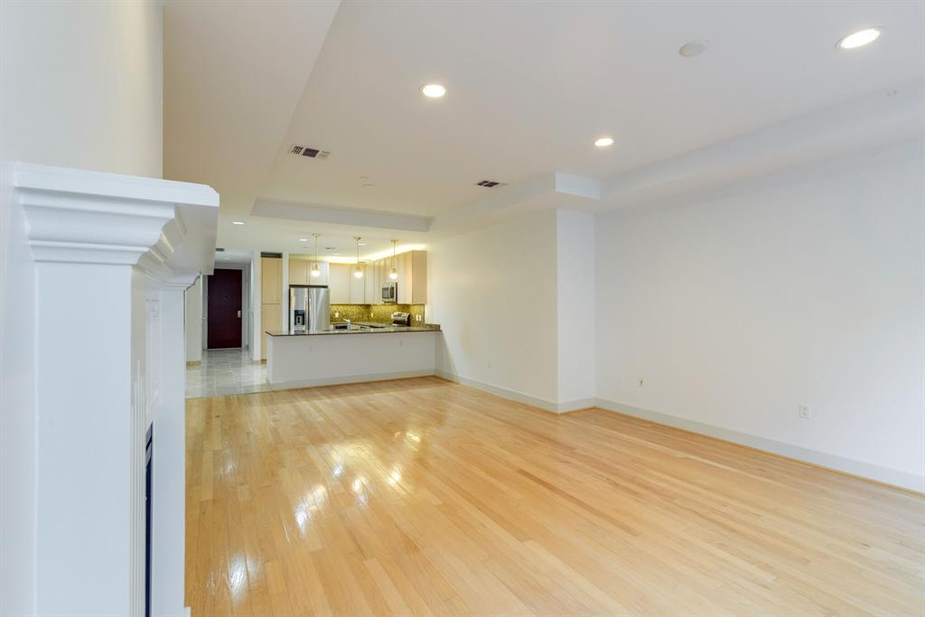 1505 Elm  Street, Dallas, Texas 75201 - acquisto real estate best prosper realtor susan cancemi windfarms realtor
