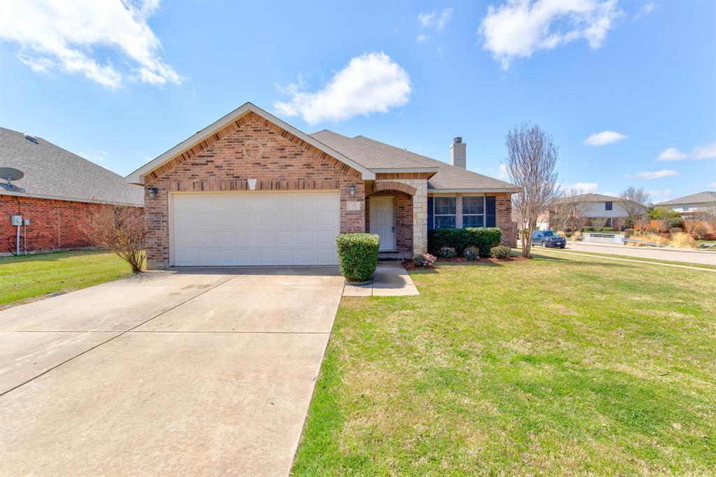 727 Daughters  Drive, Burleson, Texas 76028 - Acquisto Real Estate best frisco realtor Amy Gasperini 1031 exchange expert