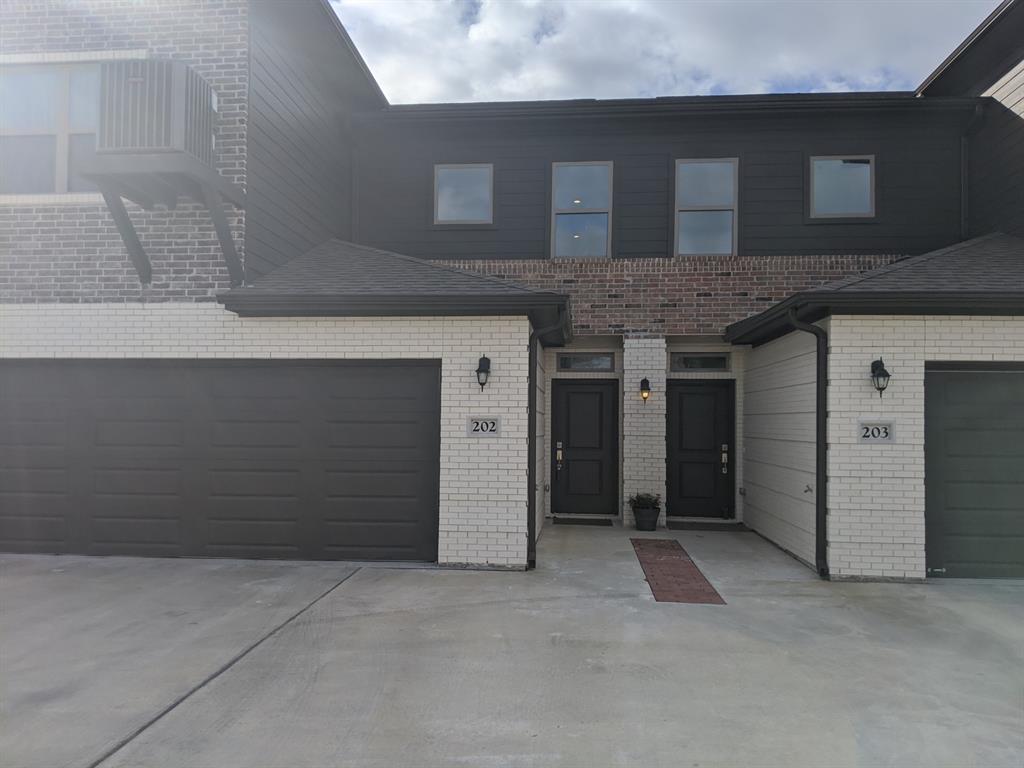 301 31st  Street, Bryan, Texas 77803 - Acquisto Real Estate best frisco realtor Amy Gasperini 1031 exchange expert