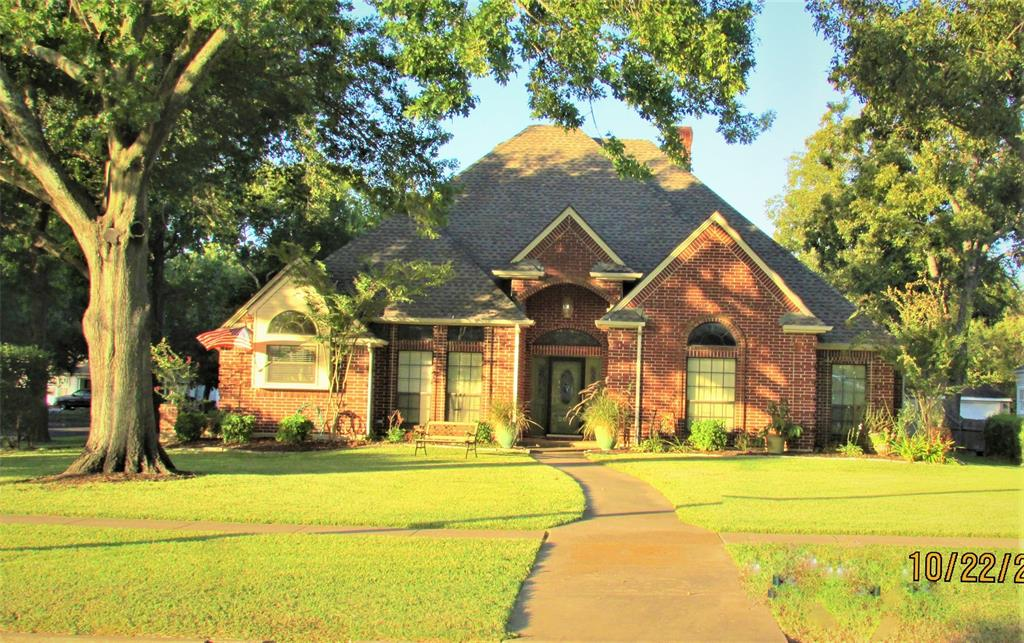 201 Clay  Street, Ennis, Texas 75119 - acquisto real estate best investor home specialist mike shepherd relocation expert