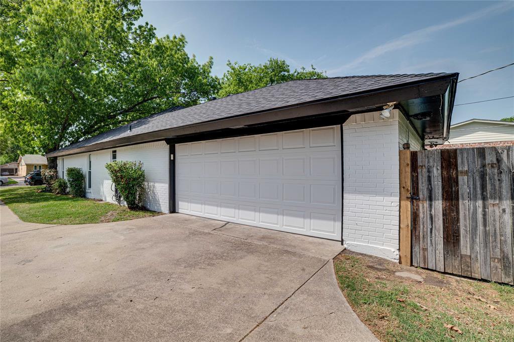 2426 Sherwood  Drive, Grand Prairie, Texas 75050 -