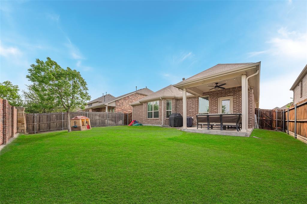 600 Sundrop  Drive, Little Elm, Texas 75068 - acquisto real estate best park cities realtor kim miller best staging agent