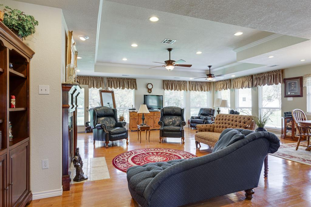 1649 White Bluff  Drive, Whitney, Texas 76692 - acquisto real estate best celina realtor logan lawrence best dressed realtor