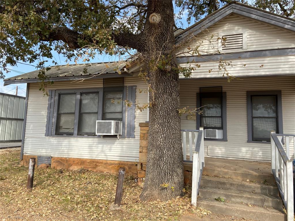 1112 Walker  Street, Breckenridge, Texas 76424 - Acquisto Real Estate best frisco realtor Amy Gasperini 1031 exchange expert