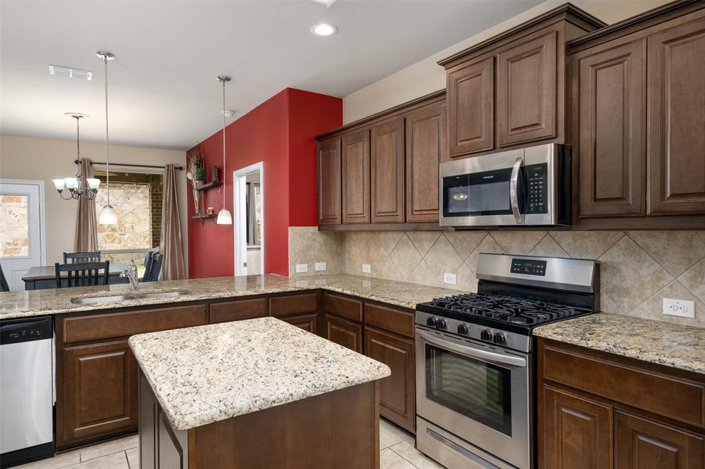 9145 Bronze Meadow  Drive, Fort Worth, Texas 76131 - acquisto real estate best prosper realtor susan cancemi windfarms realtor